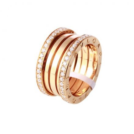 Bvlgari B.ZERO1 4-band ring in 18K pink gold with pave diamonds on the edges